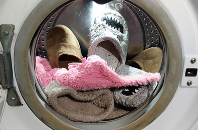 washing slippers in washing machine