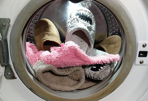 Washing slippers in the washing machine